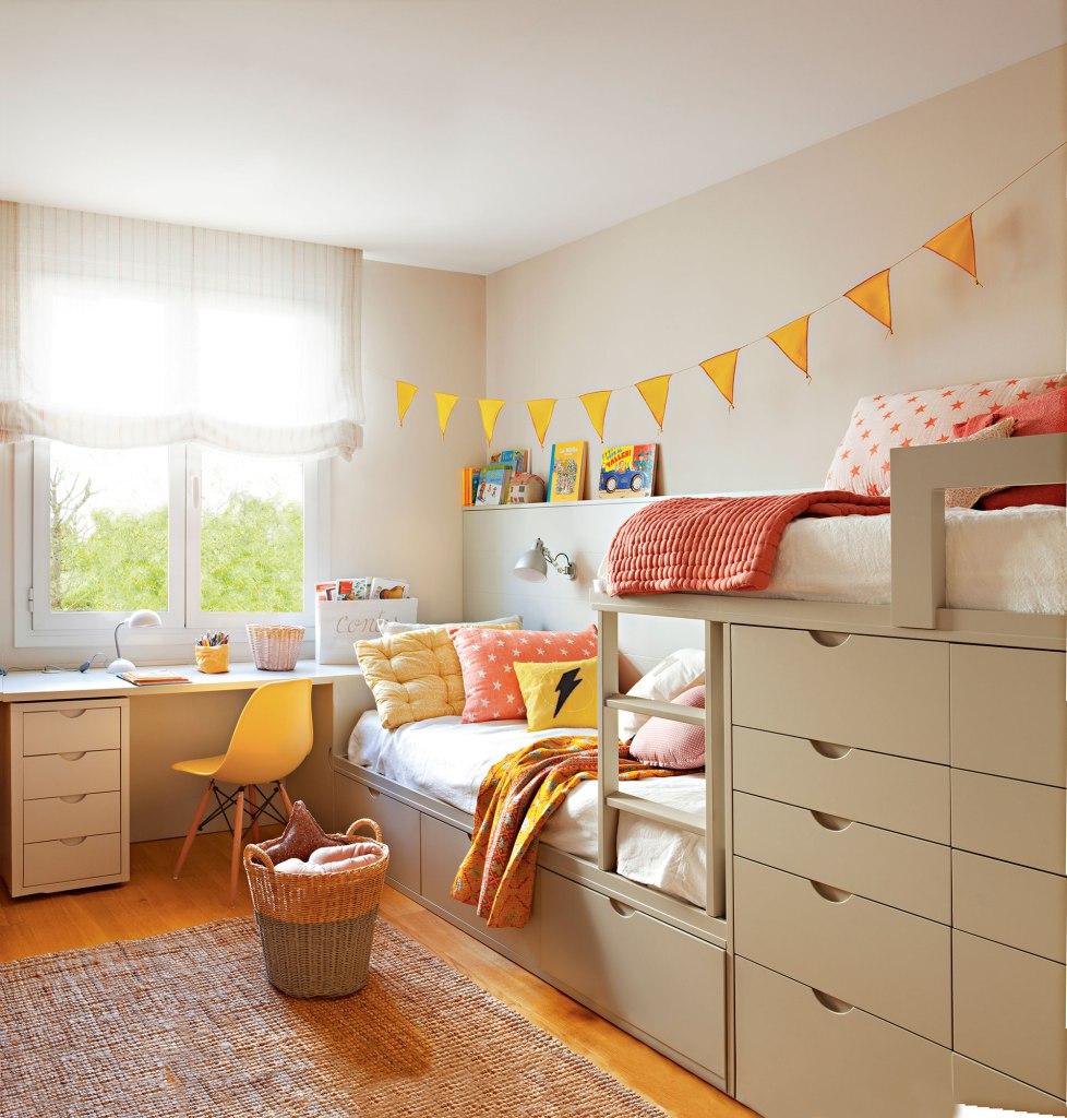 Habitacion Infantil Con Litera Tipo Tren Y Zona De Estudio Bajo La